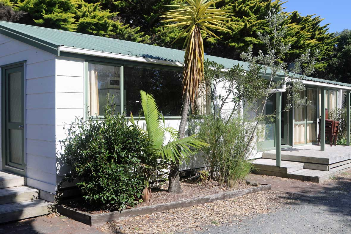 https://pakiriholidaypark.co.nz/wp-content/uploads/2016/12/Cabin-29.jpg