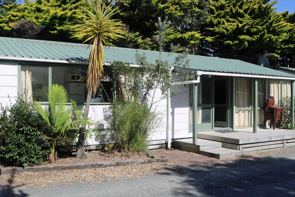 https://pakiriholidaypark.co.nz/wp-content/uploads/2016/12/Cabin-29_1.jpg