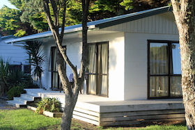 https://pakiriholidaypark.co.nz/wp-content/uploads/2018/08/AccomTile_FamCabin_sml-1.png